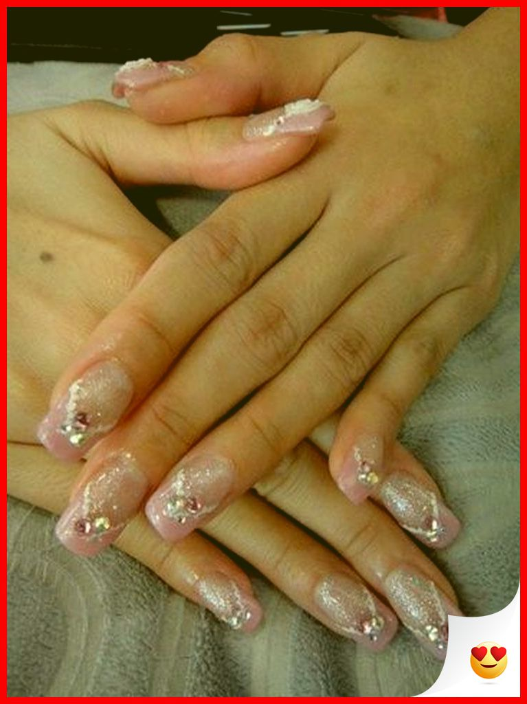 33 Elegant and Glamour Glitter Nail Art for Prom Party 5