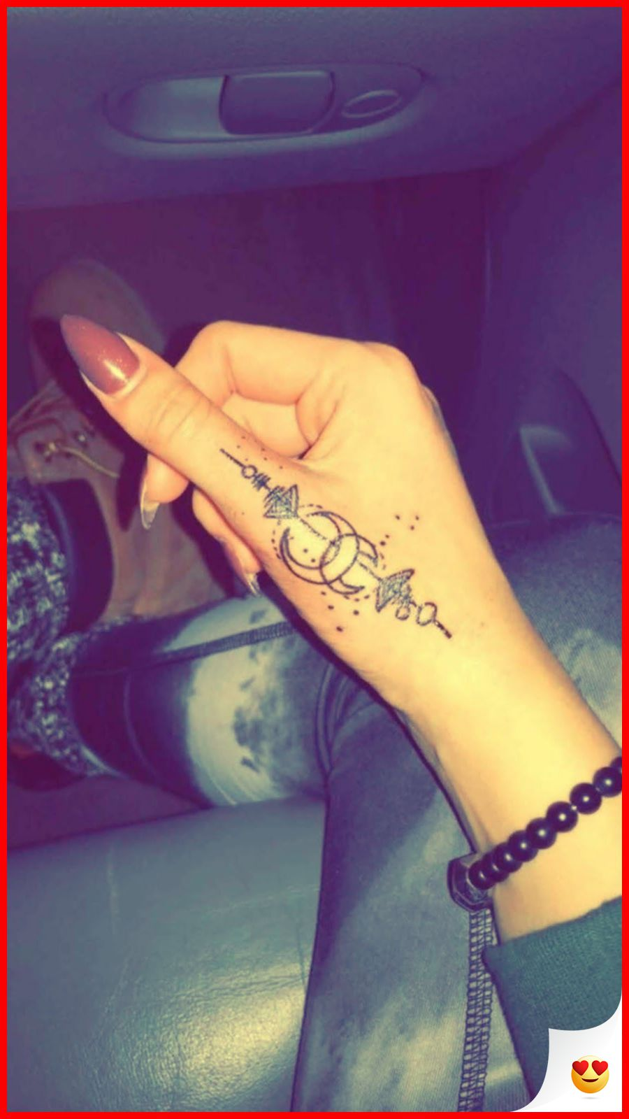 34 Cute and Simple Finger Tattoo Ideas You Can Try 32